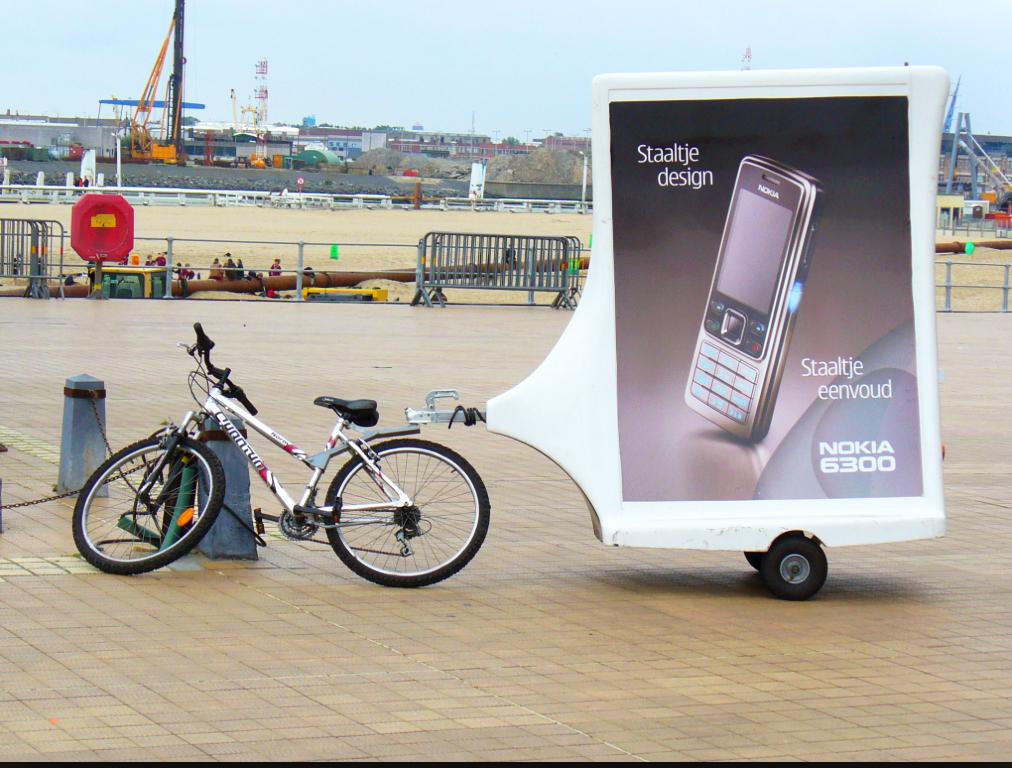 Roadshow-Mobile-Marketing_Mobile-Billboards_2